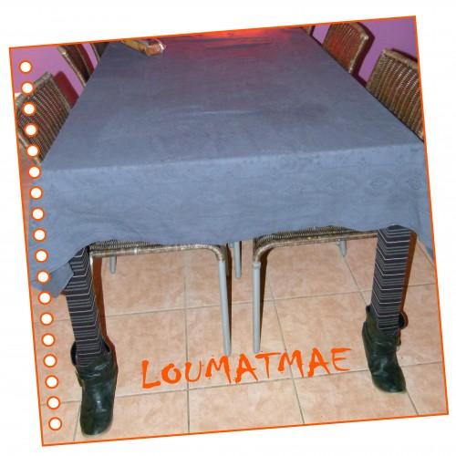 Table avec pieds pour halloween