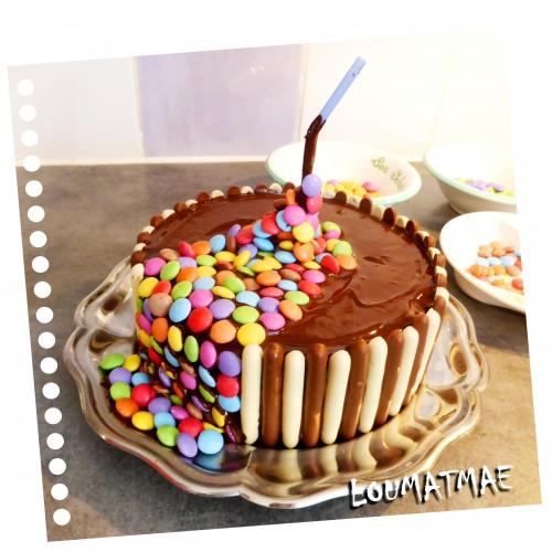 paille au centre du gravity cake