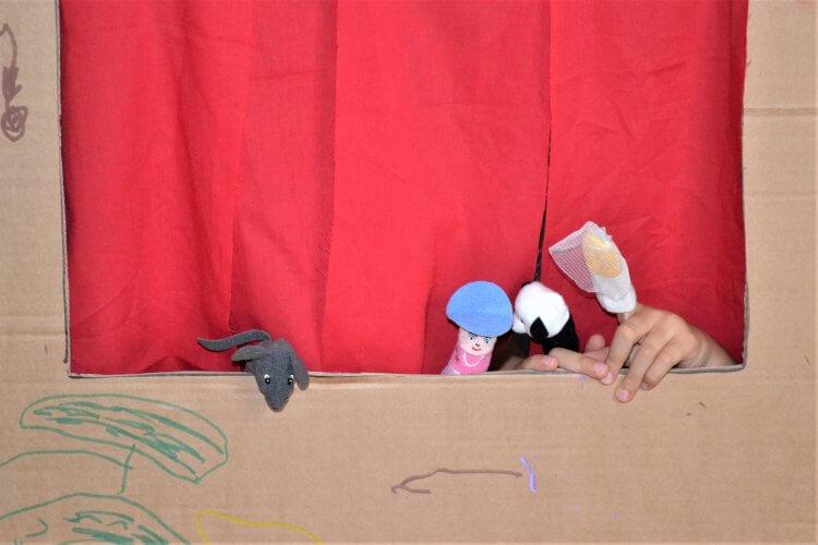 spectacle de marionnettes à doigts