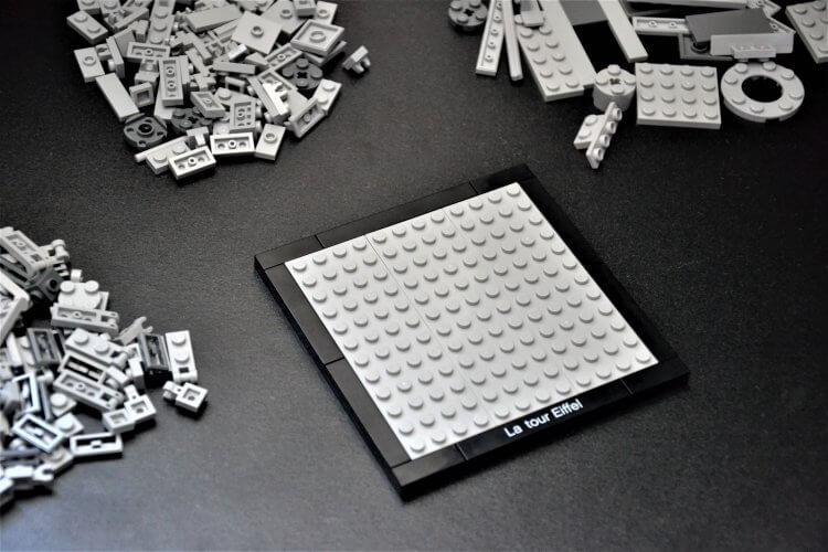 plateforme de base de la Tour Eiffel Lego Architecture