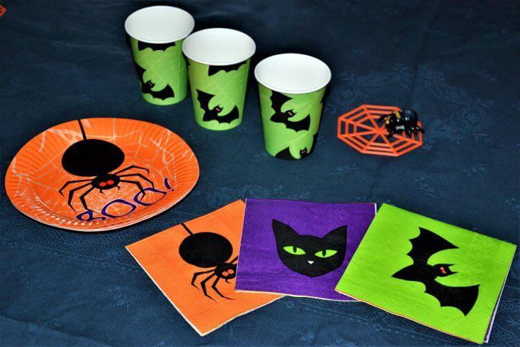 Set de vaisselle fête pour Halloween